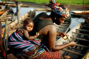 Africa-Benin-mother-child